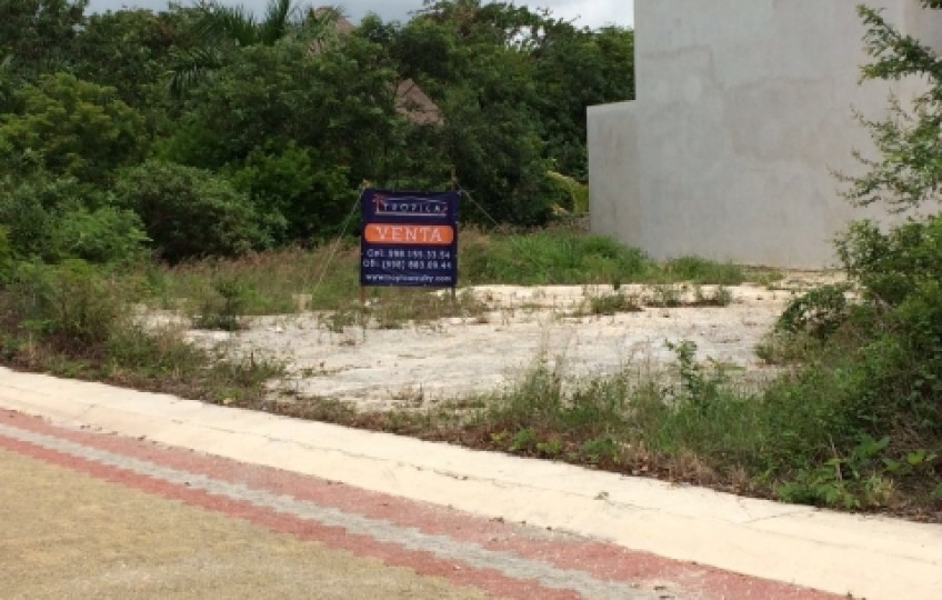 Corner lot 28 Eco-Friendly Residencial Regatta (Puerto Morelos)